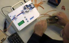 En smidig och prisvärd liten maskin som klipper med samma precision som sin storasyster Dana 20/40.