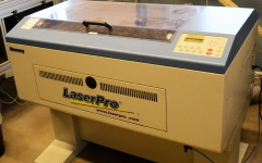 Tillverkning av skyltar och märkning av maskiner samt kablage.