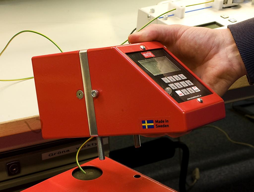 Aldrig mera lager! Ett litet mätinstrument som håller reda på din materialförbrukning på millimetern.
