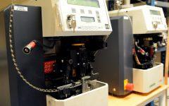 Allt inom kablagetillverkning, klipp, skalning, crimp och testning-